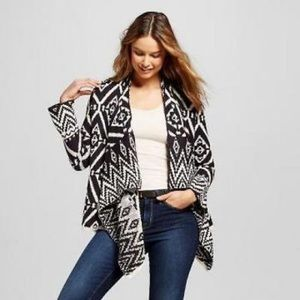 Knox Rose Black and White Aztec Sweater